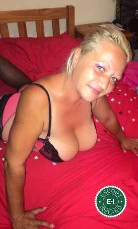 Meet Mature Gesika in Athlone right now!
